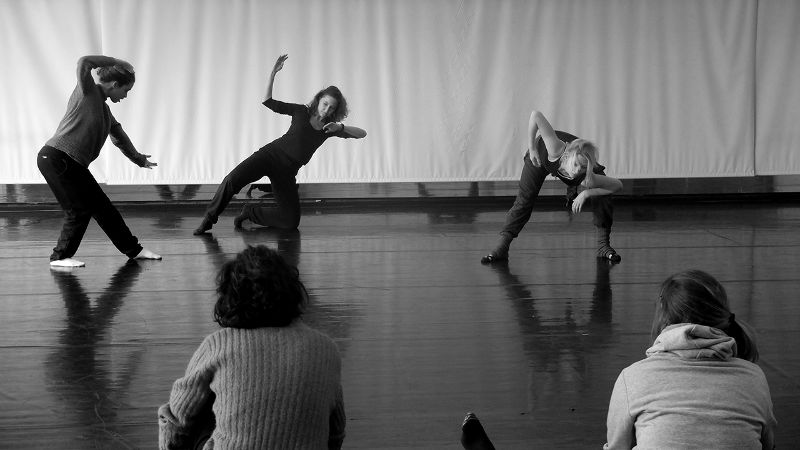 Atelier danse contemporaine  Anne Teresa De Keersmaeker  Cie Rosas