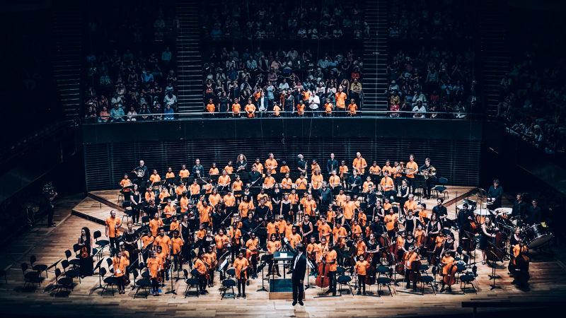 Démos Marseille Victorien Vanoosten, chef d'orchestre Concert de fin d'année