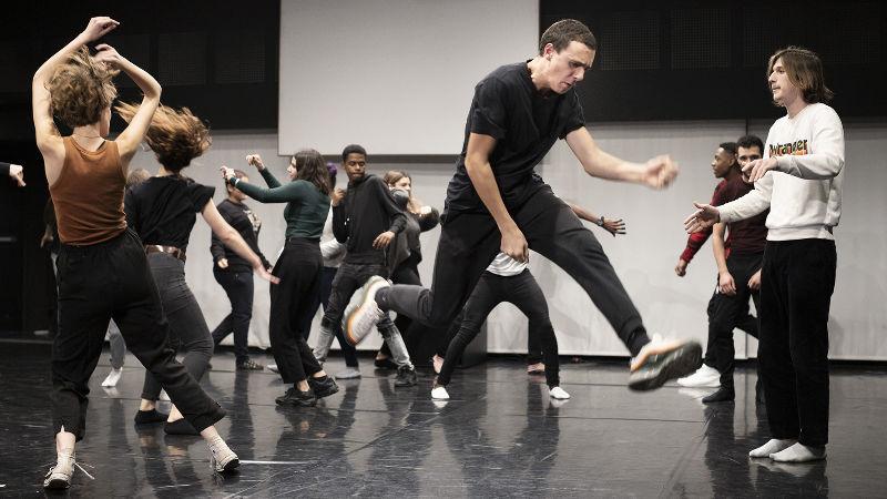 Enquête sur Hamlet  annulé Groupe Miroir & la Cie Vol Plané