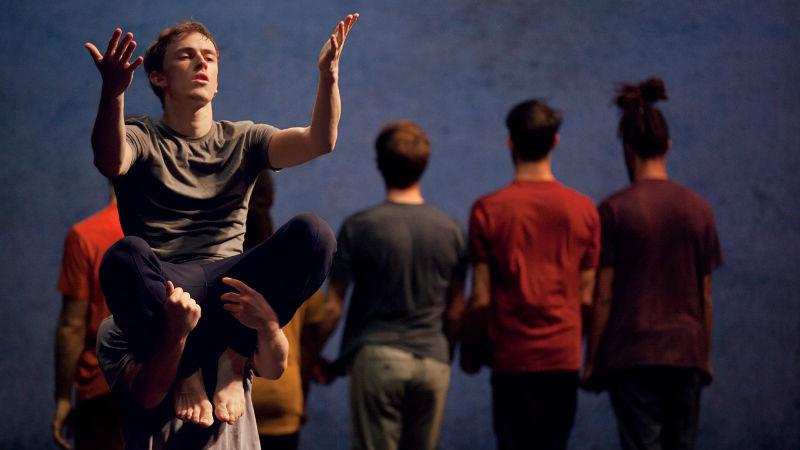 Atelier de danse hip-hop - Näss  Fouad Boussouf - Cie Massala   _classes de collège - classe UNSS  <span style=
