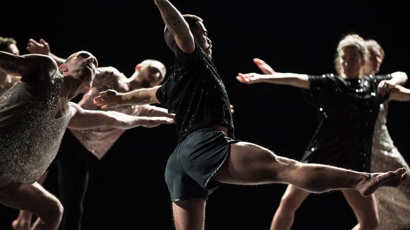 Mille et une danses   Thomas Lebrun  Centre chorégraphique national de Tours direction Thomas Lebrun